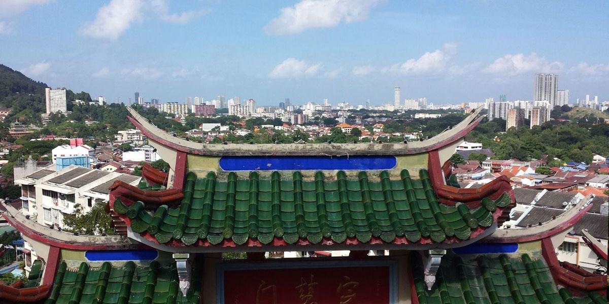 Über den Dächern von Penang: Kek Lok Si-Tempel und Penang Hill