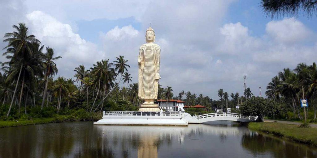 Peraliya Buddha Statue