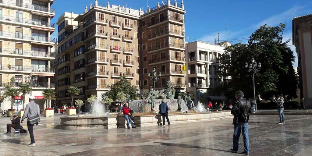 plaza-de-la-virgen