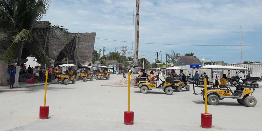 golf-carts-holbox